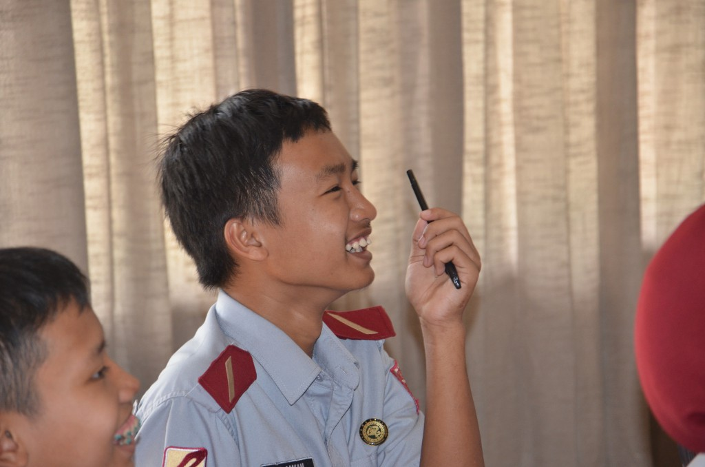 Student in Indonesia participates in Knowledge Platform's Blended Learning class